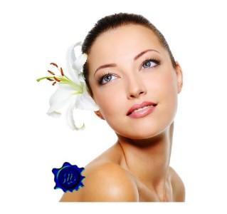 Una, 3 o 5 pulizie del viso con check up, maschera e crema idratante o antietà (sconto fino a 88%)